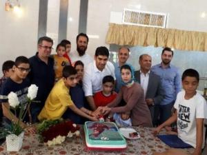 برگزاری جشن تولد فوتبالیست اخلاقمدار استان فارس، در کنار کودکان سرای نرجس